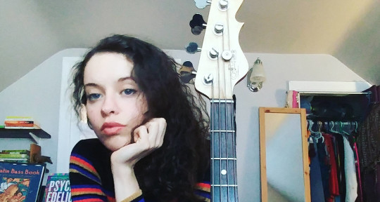 Bass - Songs - Vocals - Olivia Brown
