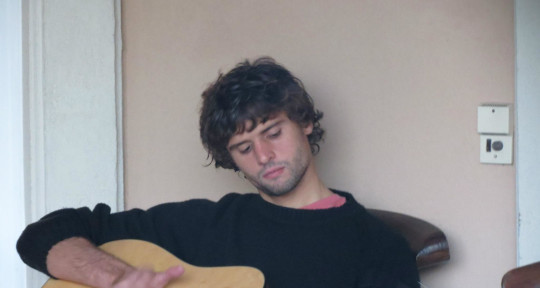 Singer/Songwriter/Guitarist - Lucas Gibbs