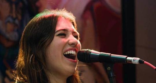 Cantante - Lucía samartino