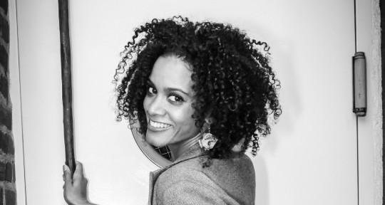 female singer and songwriter - Nila Kay