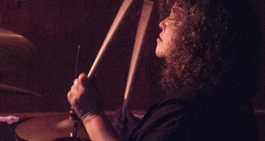 Session Drummer with Studio - Alejandra DrumsI