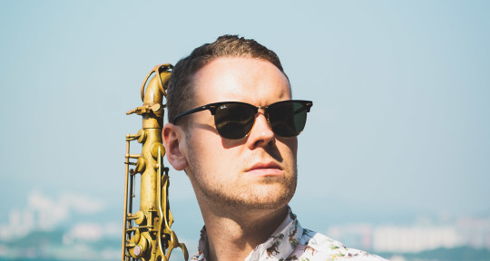 Worldwide Session Saxophonist - Scott Murphy