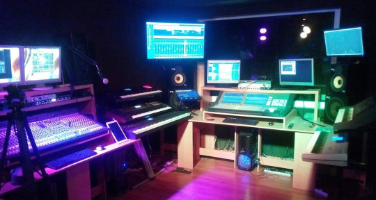 Composer, Producer, Studio - Quantiz Project