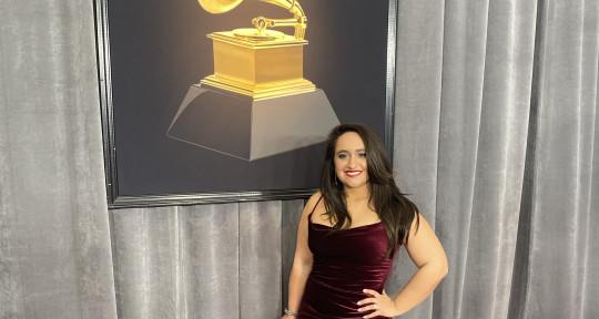 Singer, Songwriter - Xtine Elise