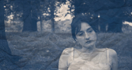 Vocalist, Top Liner, Lyricist - Evie Balfe