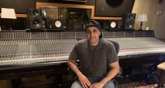 Pro Mix / Mastering Engineer  - Zevv
