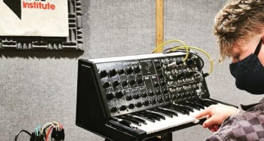 Producer Mixing & Rec engineer - Zack Steyn