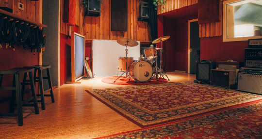 Recording studio - Hen House Recording