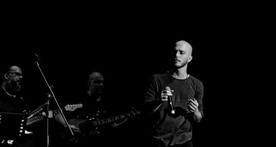 Professional Male Singer - Alejandro Cuevas