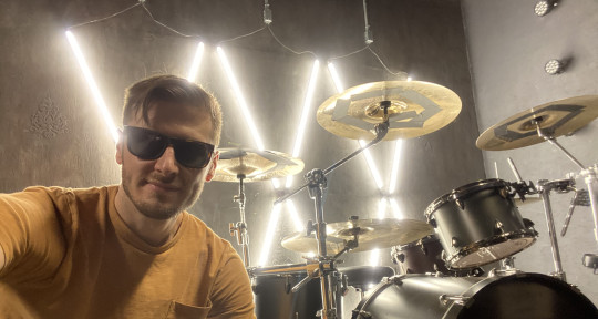 Drummer, Audio Producer - Dangry Grossarth