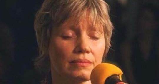 "Evocative and Healing Vocals - ""Presence"" Tarika Brandt"