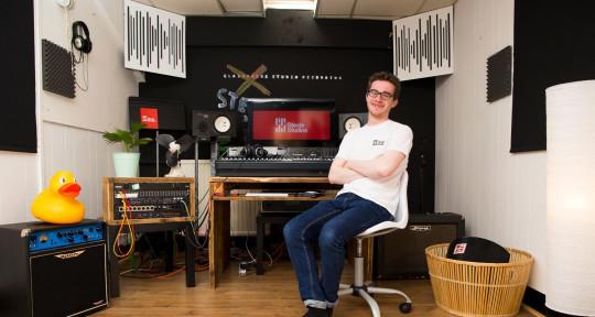 Mix engineer and saxophonist - James Steele - Steele Studios