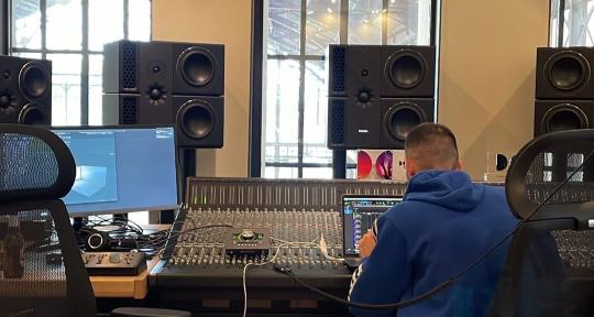 Sound engineer, producer - Adrián Ayerbe