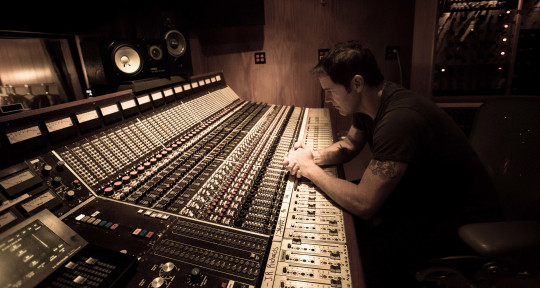 Singer / Songwriter / Producer - JR Richards (DISHWALLA)