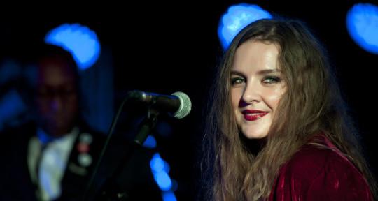 Singer, Songwriter & Lyricist - Chantelle Duncan