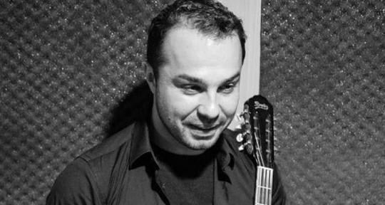 Bouzouki-oud-louth musician - Constantine Velliadis