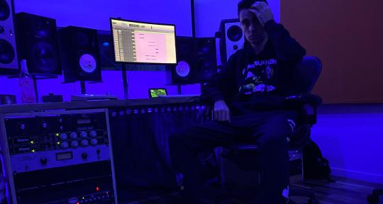Singer / Songwriter - Rauf Kingsley