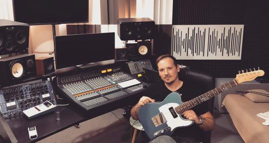 Session guitarist - Karlo Dotur