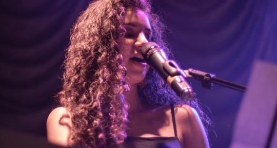 Songwriter / Session Pianist - Valeria Murillo