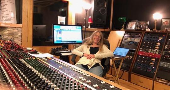 Music Producer - Robin Ruddy