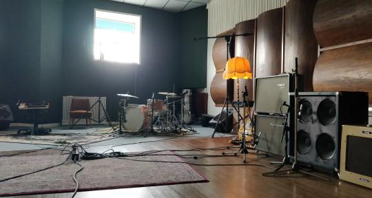 Studio Oktober, Mix, Recording - STUDIO OKTOBER