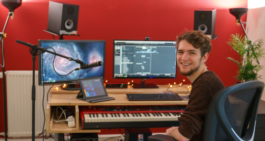 Cinematic Music Producer - Thomas van der Burg