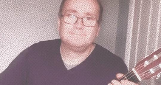 Guitarist - Colin Ayres