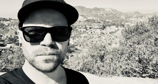 Recording, Mixing, Guitars - Max Derkum