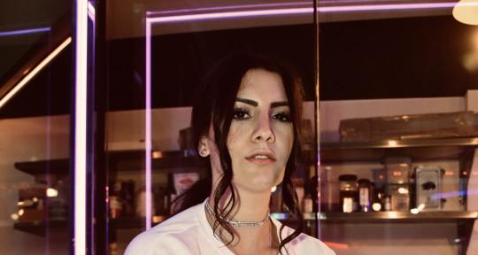 Singer/Topliner - Sara Michelle