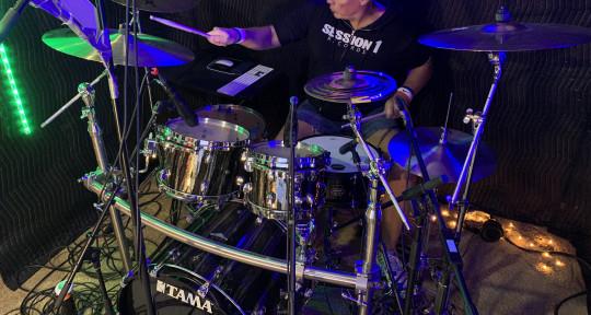 Professional Studio Bassist - Steven Dueck