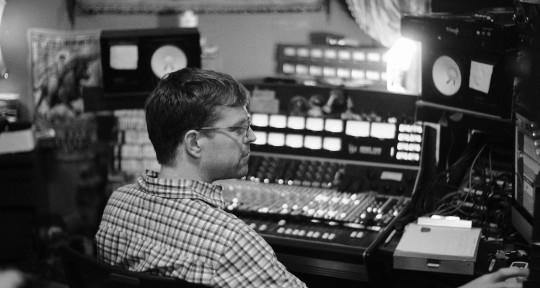 Recording and mix engineer - Jarrett Bartlett