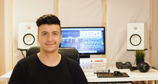 Producer & mixing engineer - Filip Najser