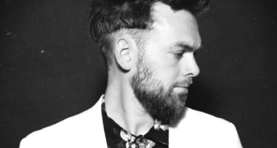 Mixing, singing, writing - Christoffer Stjerne