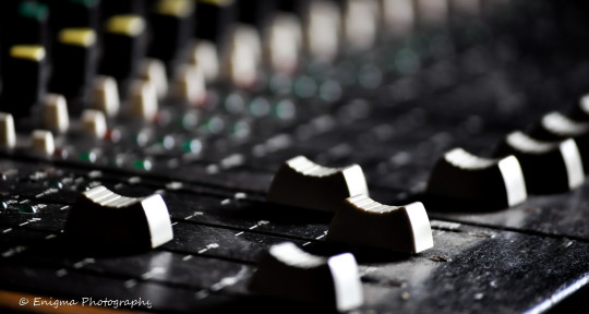 Remote Mixing and Mastering. - Enigma Sounds.