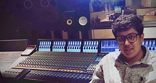 Mix Engineer | Producer - Ayush Paul