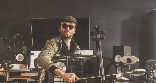 EDM // 90s // Balkan Beats - Alexander Wolf David