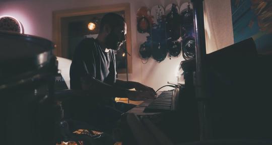 Prod / Remix / Edit / Mix - Lossio