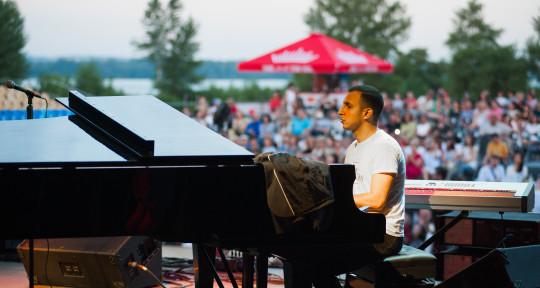 Pianist,Keyboardist,Violinist - Ruslan Bolat