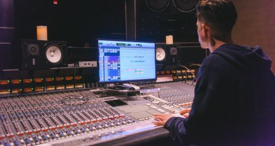 Music Producer × Mixer - Kyle Burke