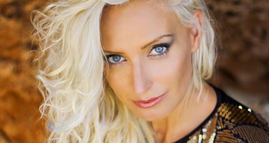 Singer, Songwriter, Top liner - Blanka Nova