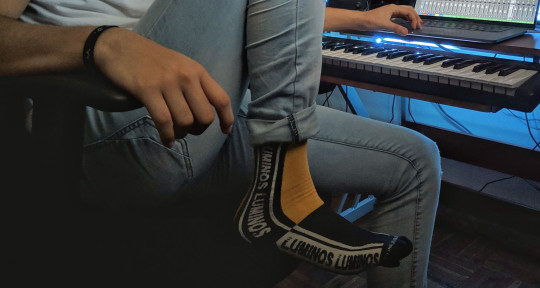 Session Keyboard/Piano player - Diego Madrigal