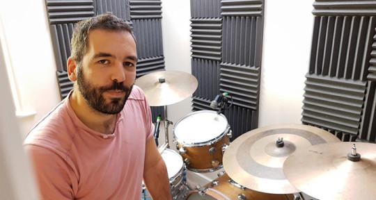 Session drummer  - Eduardo Neto
