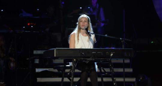 Songwriter, pianist, singer - Matilda Gratte