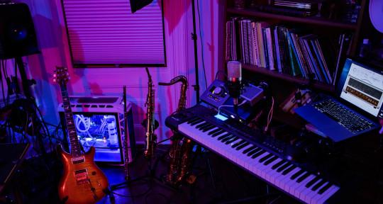 Saxophone, Flute - Dan Perez