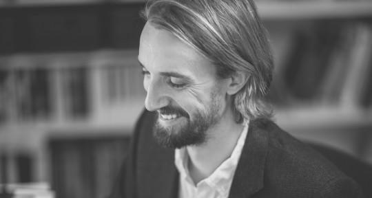 Film Composer, Arranger, Piano - Magnus Murel