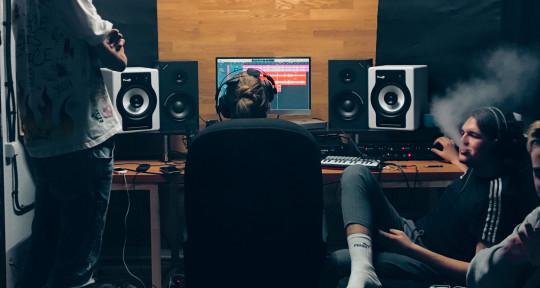 Hip-hop production studio - ALMA Studio B