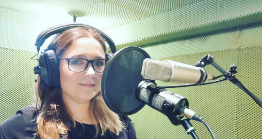 Singer, songwriter, coach - Sandra Oliveira