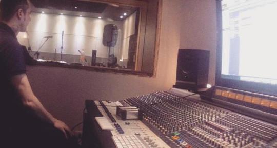 Mixing And Mastering Engineer - Rafael Toloi