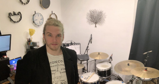 Drummer / Producer - Caio Moskalkoff