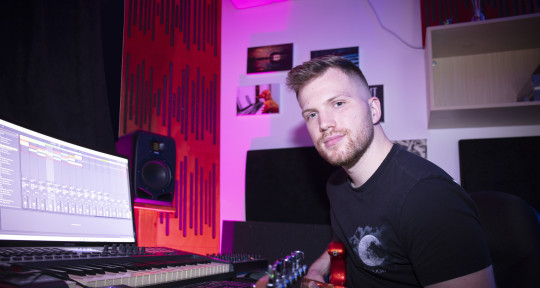 Music Producer - Eden Levy